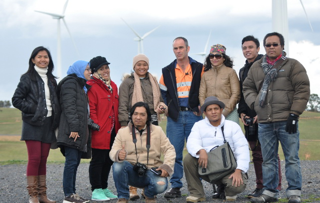 Indonesian journalists put the environment in economic reporting